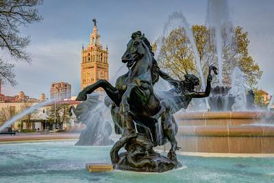 JC Nichols Fountain - Day