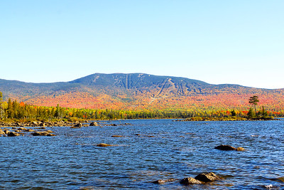 Autumn Colors on Saddleback Lake