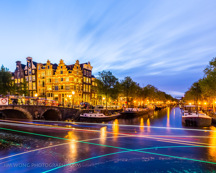 The intersection of the Brouwersgracht and Prinsengracht canals