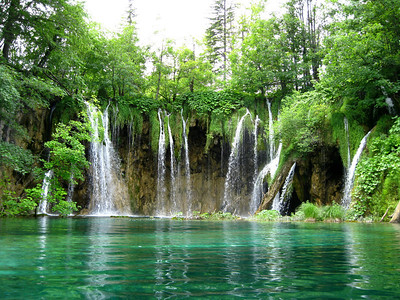 Spectacular waterfall at Plitvice