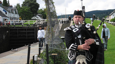 Bagpiper and the Locks