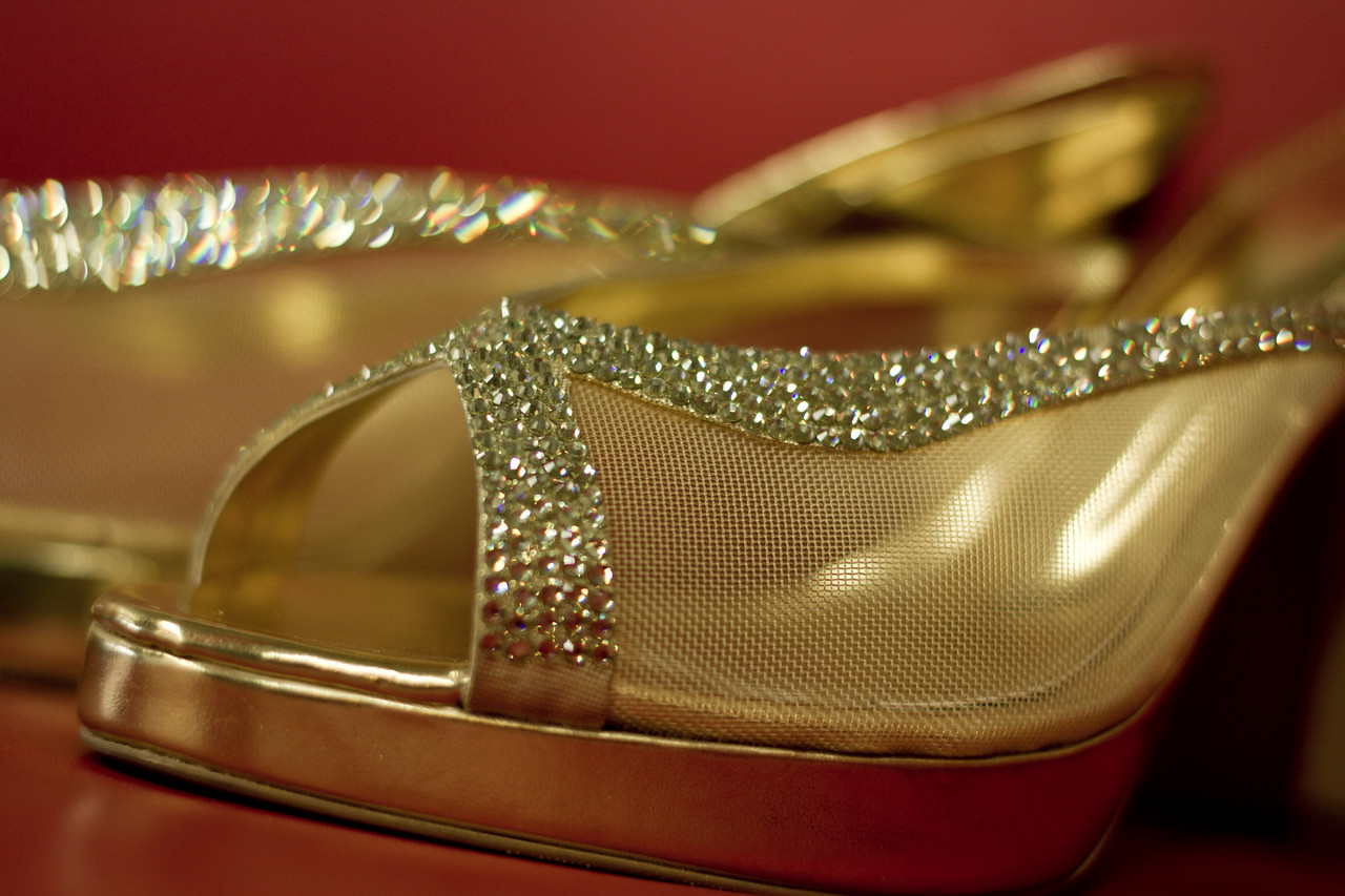 detail shot of bride footware