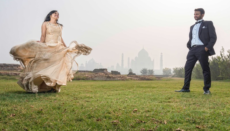 pre wedding photo shoot at Taj Mahal