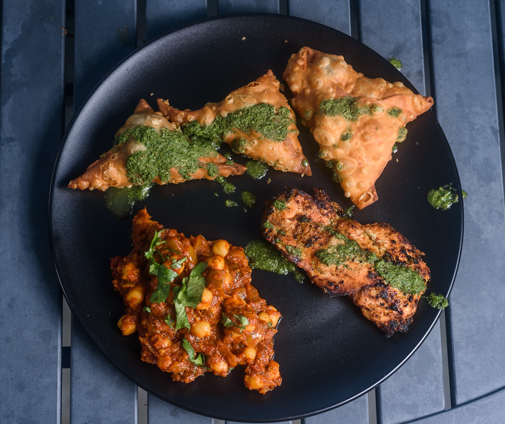 Samosas with channa masala and tandoori chicken