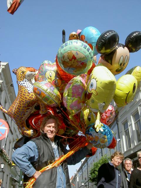 Balloon seller Netherlands 2003