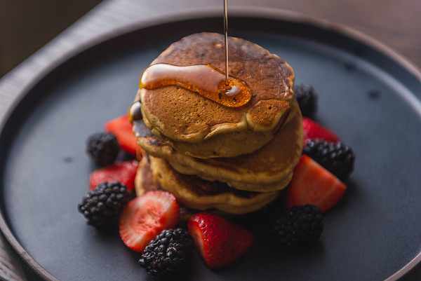 Sourdough pancakes with berries
