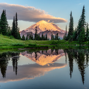 Sunrise at Little Tipsoo Lake