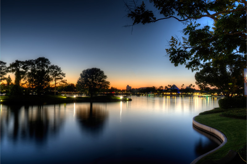 The lagoon at Epcot.  This is unprocessed, right out of my camera. (Well, converted from RAW anyway) I was happy enough with the result that I didn't see any point in really tweaking it.<br /> <br /> from the Photoblog: www,graffitivisuals.com
