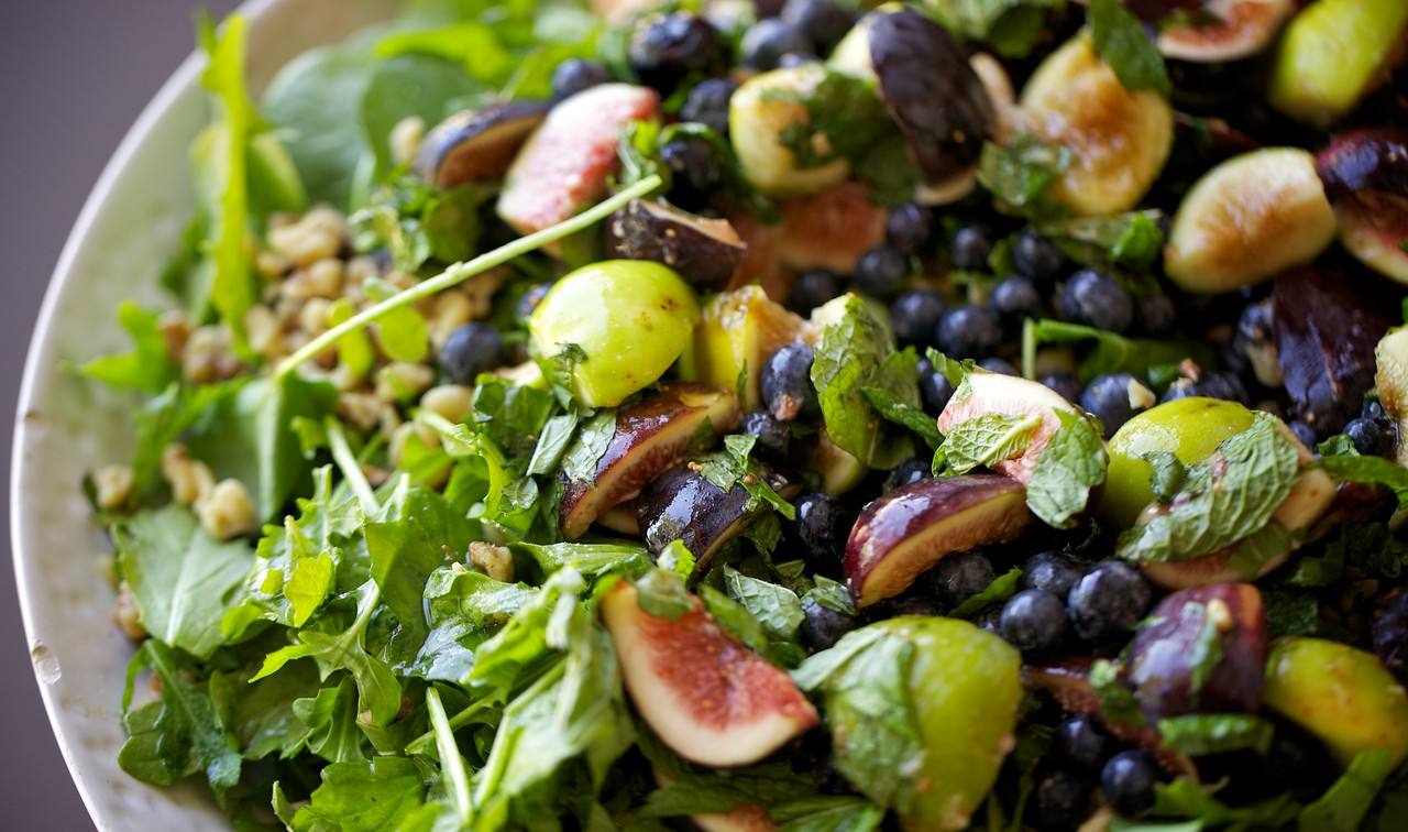 Fig and blueberry salad with mint and walnuts