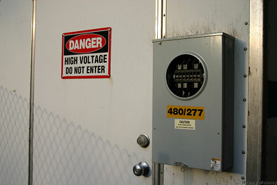 I'm sure that wasn't energized (especially since it's outside the fence).  It still doesn't look safe though.
