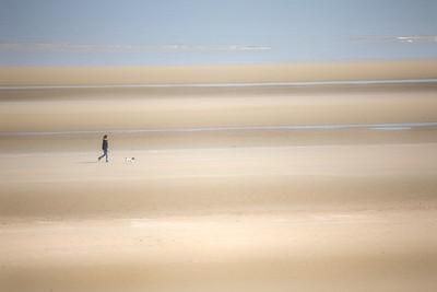 Walker on the Beach-1L8A5390
