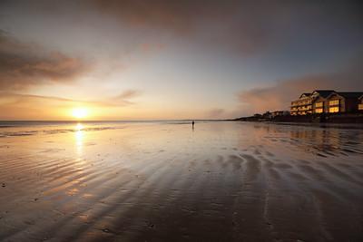 Walker on the Beach-1L8A9238
