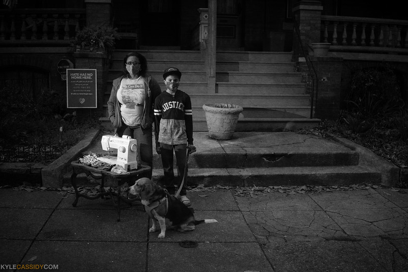 Nicole, Naomi and Hazelnut are making masks in Philadelphia
