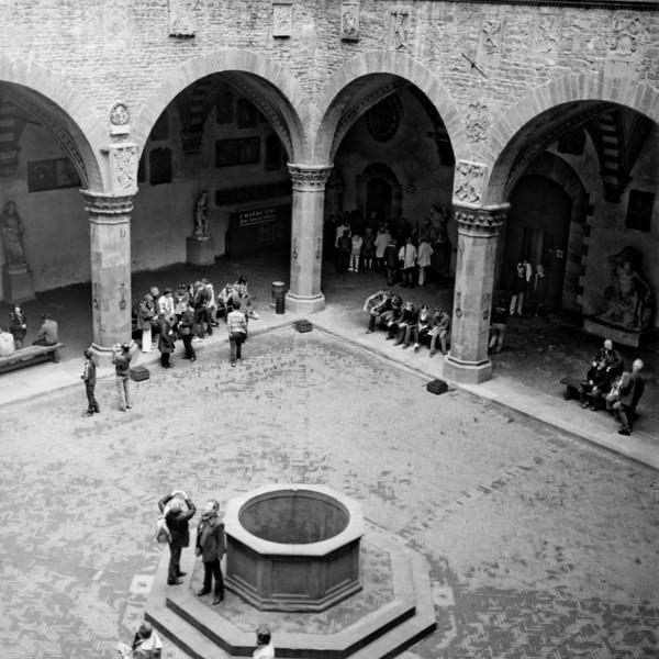 Art in Florence  9:Italy beyond 70mm. Photographs taken on 80mm (Medium format film)
