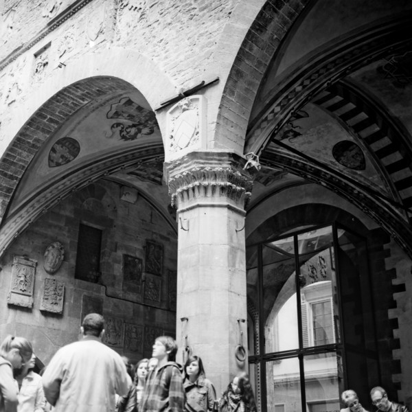 Art in Florence  4:Italy beyond 70mm. Photographs taken on 80mm (Medium format film)