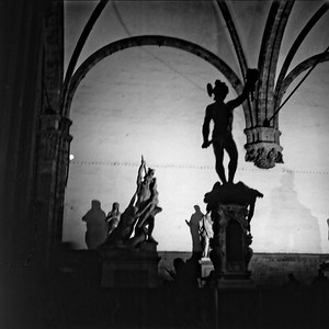 Art in Florence  1:Italy beyond 70mm. Photographs taken on 80mm (Medium format film)