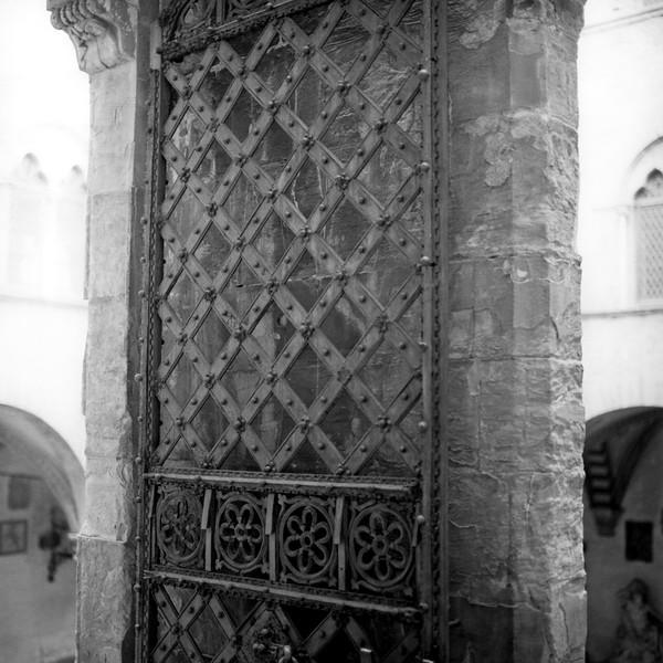 Art in Florence 8:Italy beyond 70mm. Photographs taken on 80mm (Medium format film)