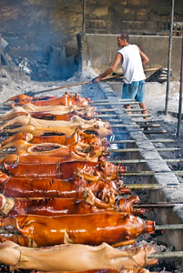 Lechon (roast pig) for sale, cooked before your eyes