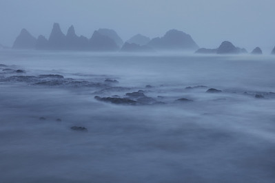 "OREGON 3291  ""Foggy evening at Seal Rocks"""
