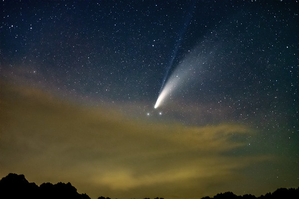 Comet Neowise and the approaching storm