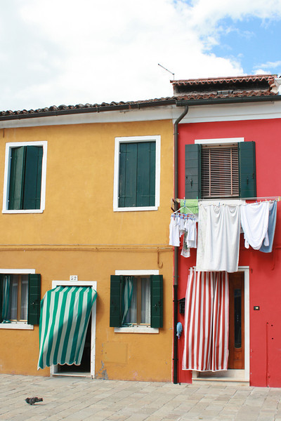 You've no doubt noticed the laundry everywhere - a common sight in most of Italy.