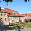 In 1966 opende het Fenikshof in de voormalige abdijhoeve zijn deuren als horecabestemming. Omdat het na 40 jaar niet meer beantwoordde aan de behoeften van de huidige horeca-consument, besliste de nieuwe uitbater in samenwerking met de abdij van Grimbergen en de brouwerijen Alken-Maes om grondige renovatiewerken uit te voeren.