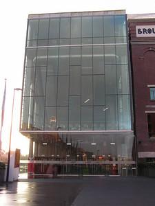 Mechelse Stadsarchieven maken reeds in 1627 melding van een Brouwerij De Croon, die op dezelfde plaats stond als de huidige Brouwerij Lamot in de Van Beethovenstraat, langs de oevers van de Dijle. In 1855 verwierven Charles en Richard Lamot de meerderheid van de aandelen van Brouwerij De Croon en enkele jaren later kochten ze nog een Mechelse onderneming, Brouwerij De Plein. Kort daarop werd Charles Lamot de enige eigenaar van beide Brouwerijen, die hij fusioneerde tot Brasseries et Malteries de la Couronne et de la Pleine, kortweg Brouwerij De Kroon en De Plein.