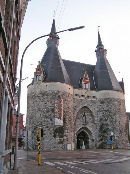 Sinds 2000 is er een Museum in gevestigd, dat de Toegangspoort wil zijn tot de Mechelse Geschiedenis.
