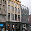 Het huis: 'DE RAM' Guldenstraat 20, met ernaast 'DE LAMOT-SITE'<br /> De Lamot-Site in Mechelen is het oude bedrijfsterrein van Brouwerij Lamot, tegenover de Vismarkt. In 2005 werd de Site heropend na een ingrijpend Reconversieproject. Dit project werd reeds in 2003 bekroond met de 'Thuis in de stad-prijs' voor reïntegratie van verloren stadsdelen binnen de stad.