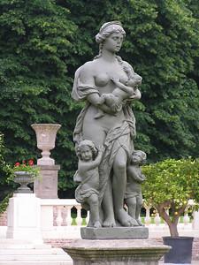 De oorsprong van het domein zelf is veel later te situeren, meer bepaald op het einde van de 18de eeuw. Jan Walckiers van Galmaarden, een Brussels bankier, kocht hier toen een groot aantal eigendommen. Op één van zijn eigendommen bouwde hij een kasteel, dat tijdens de Tweede Wereldoorlog platgebombardeerd werd.