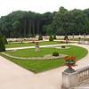 Het domein Drie Fonteinen in Vilvoorde dankt zijn naam aan een fontein die werd opgericht na de aanleg van het kanaal Brussel-Rupelmonde in 1561 om te voorzien in drinkwater voor de schippers. Deze fontein omvatte een waterbekken dat gevoed werd met bronnen en een fontein met 4 waterstralen. Omdat de schippers bij het naderen van de fontein maar 3 van de 4 stralen konden zien, werd het domein door hen de 'Drie Fonteinen' genoemd.