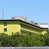 De Sint-Jozefkliniek werd in 1932 opgericht door de zusters Augustinessen.<br /> Het beheer van het ziekenhuis werd in 1974 overgedragen aan de Sint-Michielsbond<br /> (Christelijke Mutualiteit). Vandaag beschikt het ziekenhuis over<br /> 434 erkende bedden.