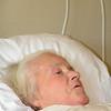 Mijn moeder, 83 jaar: Rust-en verzorgingstehuis Ter Linde, Vilvoorde<br /> Oorzaak: Dement, kan thuis niet meer verzorgd worden, door mijn vader, 84 jaar, ze krijgt ook nog sonde-voeding omdat ze niet wil eten.