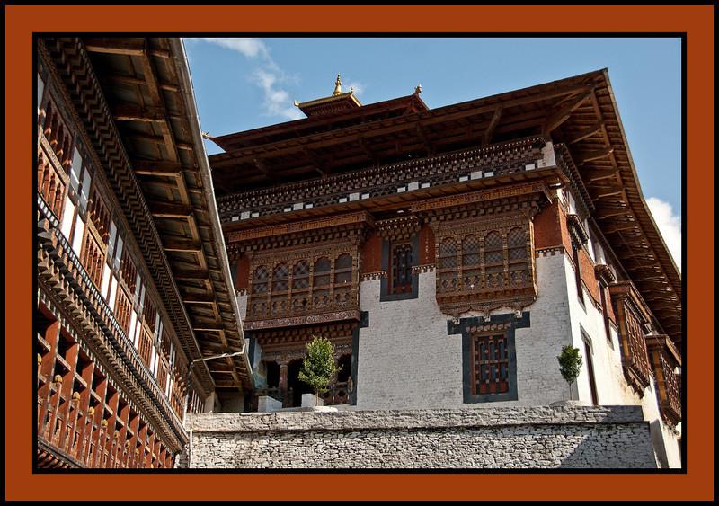 Trongsa Dzong, Interior of Courtyard