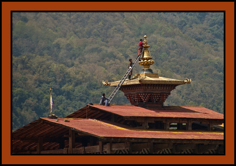 Repairs at Trongsa Dzong