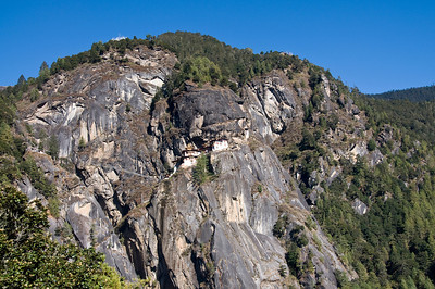 Tiger'sNest from bottom_DSC_7220