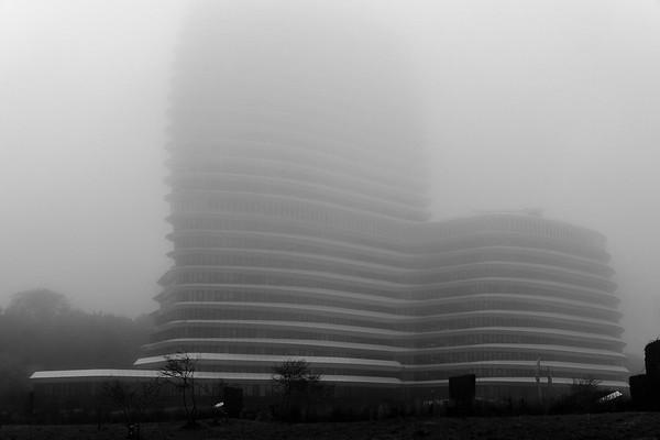 DUO gebouw in de mist