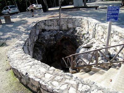 Mexico Bike to Cobá:Cenote 11:30:07 4