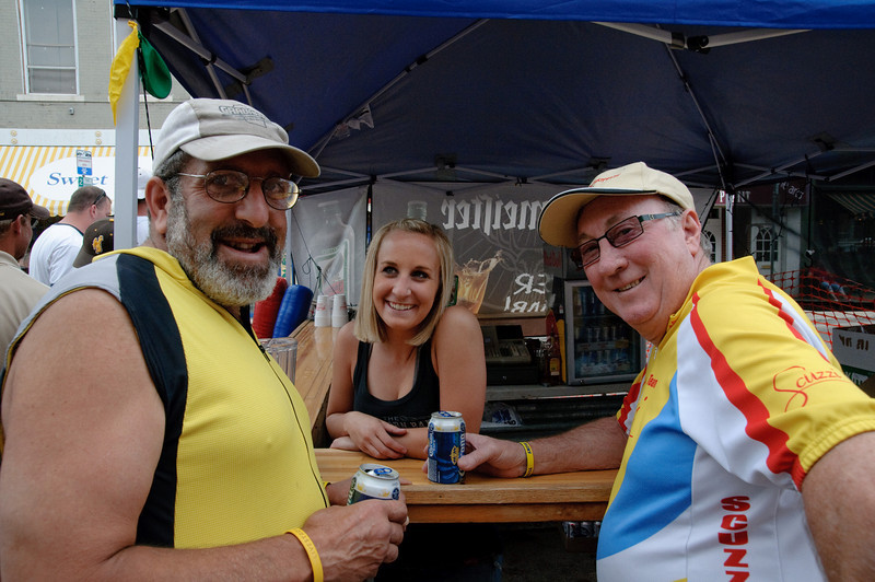 Lou Awody and Ray Taarnby with bartender. Ray came from Australia with just enough tread left on his knees to do the Tour de Wyoming and RAGBRAI in Iowa. Next month some surgeon Down Under is going to give him two new knees. For his efforts, we tried to get his picture taken with every pretty girl in Wyoming. There are no pictures from Baggs.