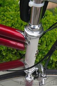 Beautiful bike, with matching pump.