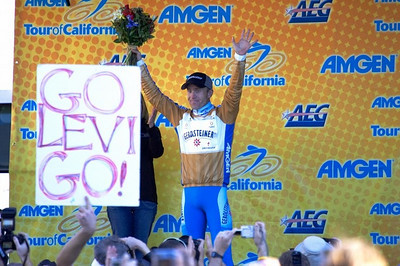 Levi Leipheimer holds on to the Golden Jersey at the end of Stage One.