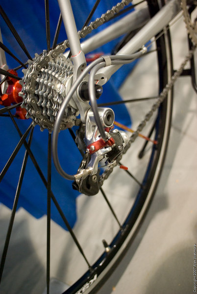A modified Campy derailleur setup for twin-cable shifting