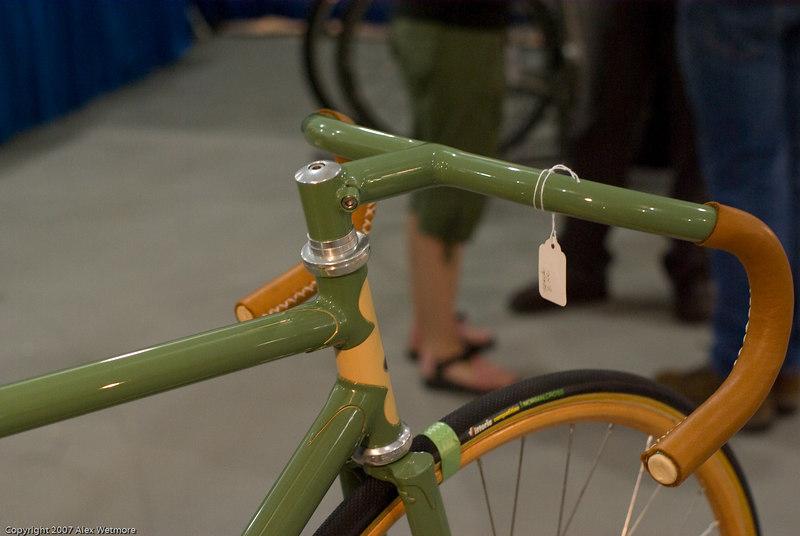 Closeup of the handlebar and stem.