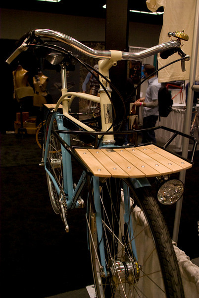 Front rack on the Signal commuter.