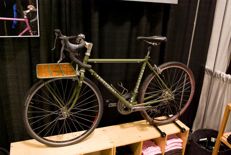 "Sweetpea porteur, I think this one had 26x1.25"" tires."