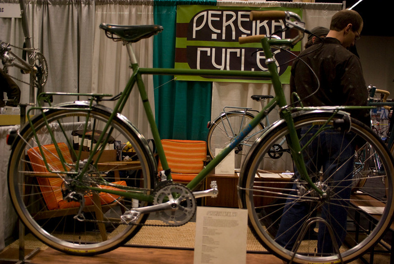 Commuter/porteur from Pereira Cycles.
