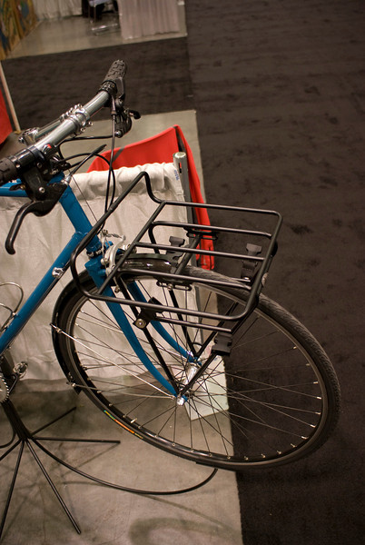 This porteur rack by Pass and Stow fits most bikes