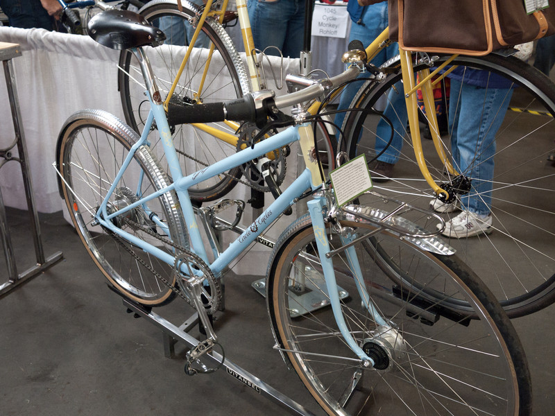 Nice mixte from Circle A Cycles