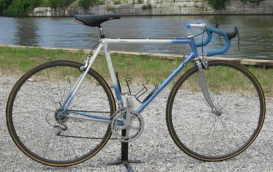 Marinonis/n 57608 54/55Handbuilt custom bike from Montreal Shimano 600Minimum bid: $700 Value: ~$900  Includes all benefits of any Ohio City Bicycle Co-op bike-purchase ($60 value).