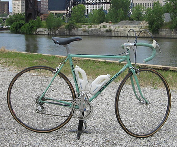 Bianchi	s/n A6 7754	51/53	Full Campagnolo (including water bottles!)	Minimum bid $500, value ~ $600.00  Includes all benefits of any Ohio City Bicycle Co-op bike-purchase ($60 value).